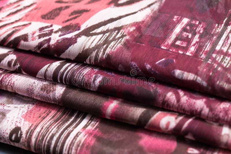 Panno leggero viola, tessuto, tessuto fotografie stock