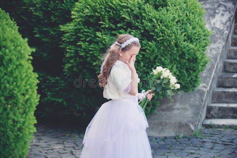 Panny m?odej dziewczyna, dru?ka i ?lubna ceremonia, fotografia royalty free