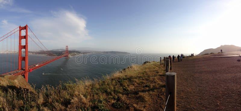 Panorámico de puente Golden Gate y de San Francisco Cityscape imágenes de archivo libres de regalías
