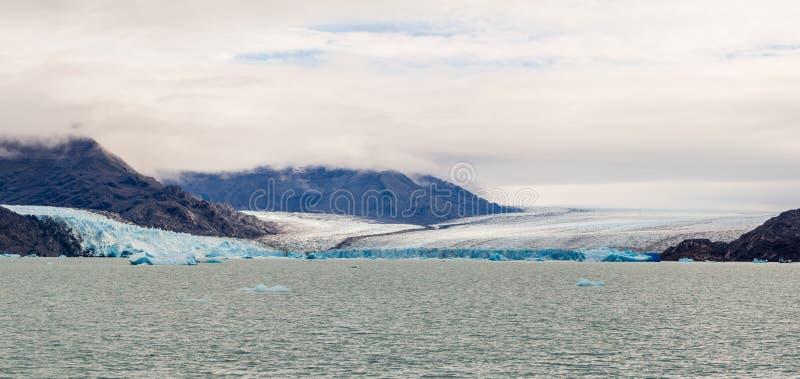 Panorâmico da geleira de Upsala em Argentina Lago Argentino no parque nacional de geleiras foto de stock royalty free