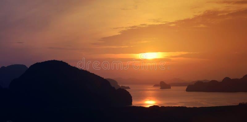 Panorâmico do mar de Andaman da baía de Phang Nga fotografia de stock royalty free