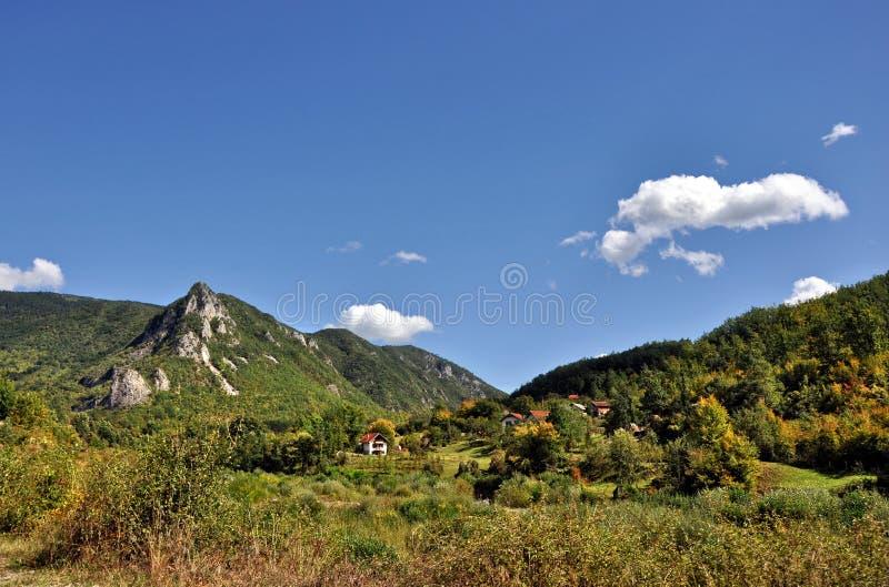 Panoram del paisaje de la montaña foto de archivo