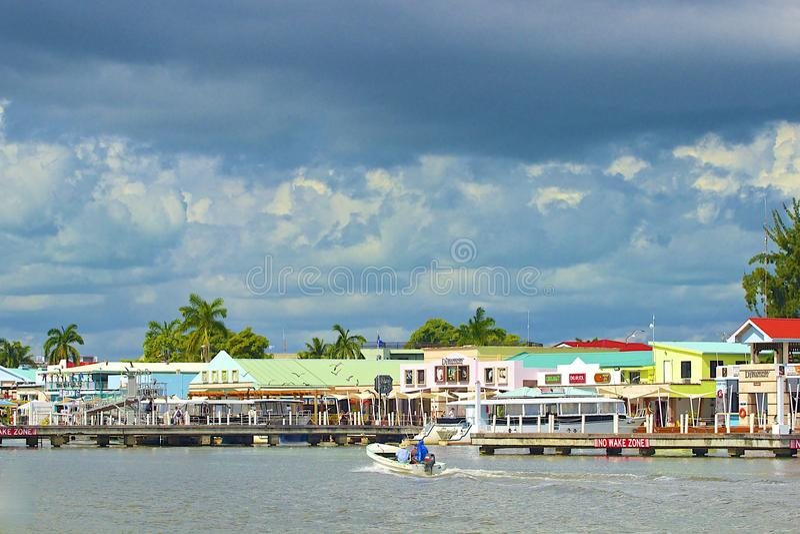 Panoram van de stadshaven van Belize stock fotografie