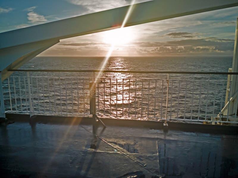 Panoram van Oostzee met cruise lainer stock afbeeldingen
