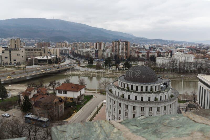 Panorama à cidade de Skopje da fortaleza na cidade velha, Repub da couve da fortaleza fotos de stock