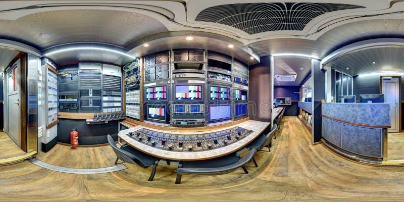 Panorama équidistant dans le fourgon de 360 ob images stock