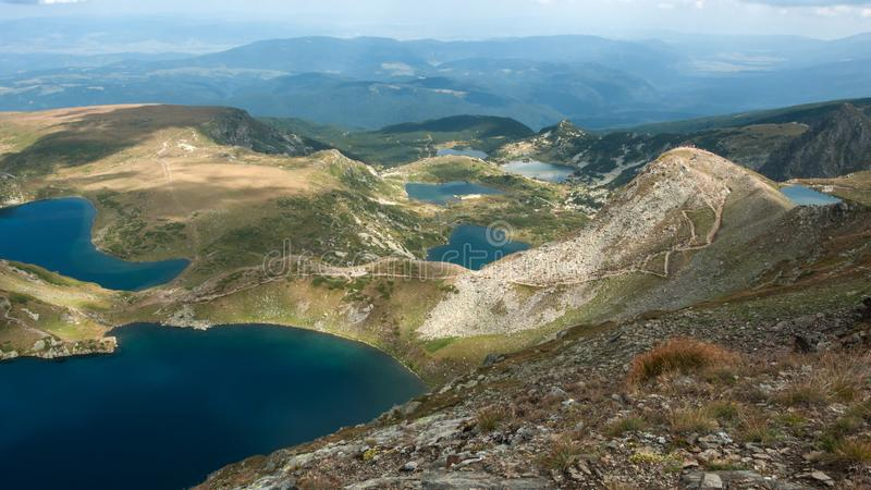 Panorama étonnant des sept lacs Rila photographie stock libre de droits