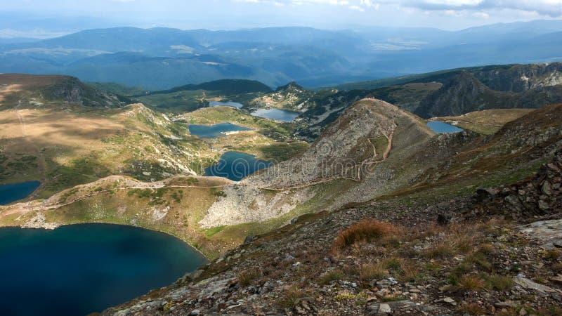 Panorama étonnant des sept lacs Rila image libre de droits