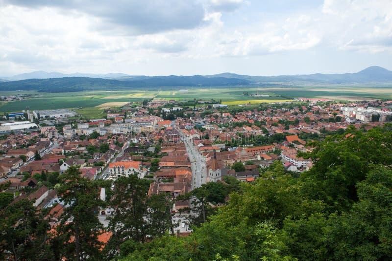 Panorama över en bergstad i spingen royaltyfri fotografi