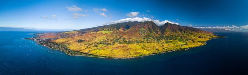 Panorama aéreo da costa oeste de Maui imagem de stock