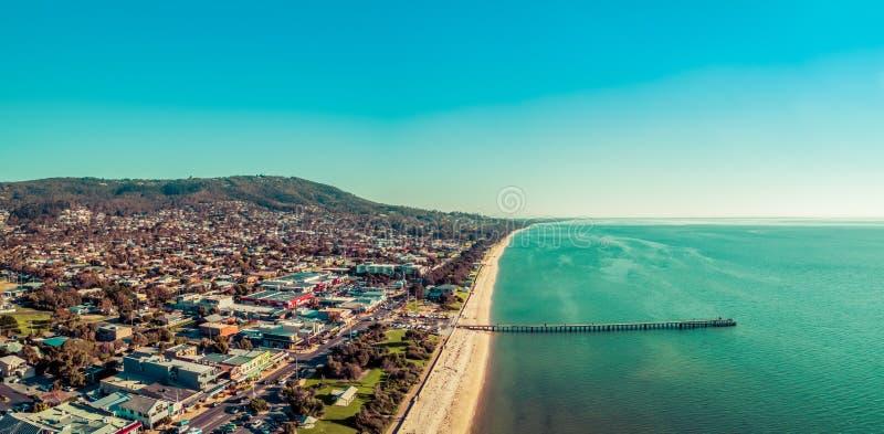 Panorama aéreo del suburbio Dromana fotos de archivo