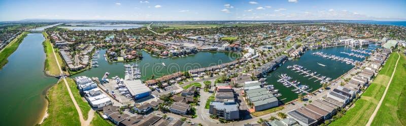 Panorama aérien de banlieue de Patterson Lakes et de rivière, Melbourne, photographie stock
