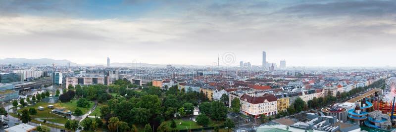 Panorama aérien de la ville de Vienne depuis la grande roue de Vienne à Wurstelprater, Autriche Vue Skyline photos stock