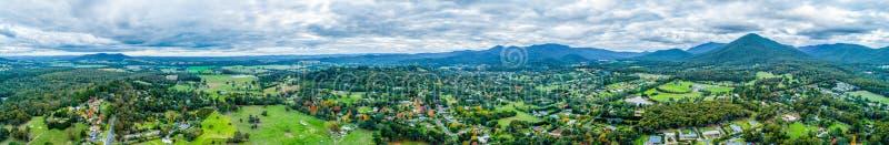 Panorama aérien ultra large de paysage rural photos stock