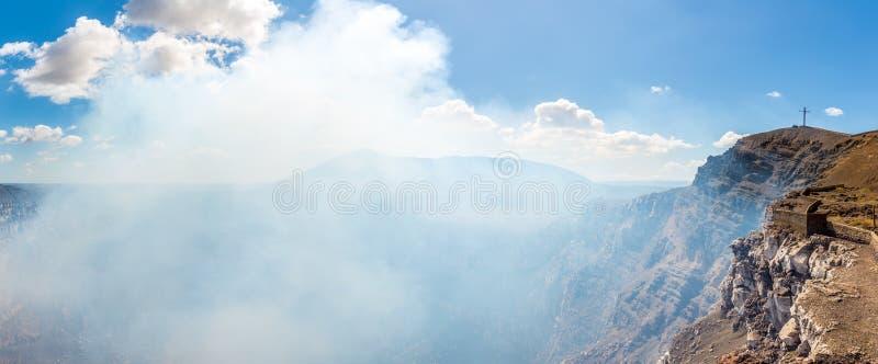 Panorama aan de krater van Masaya-vulkaan in Nicaragua royalty-vrije stock fotografie