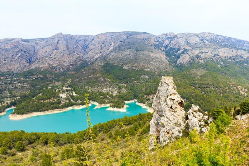 Panorama aan mooi landschap in bergdorp Guadalest, Spanje royalty-vrije stock foto