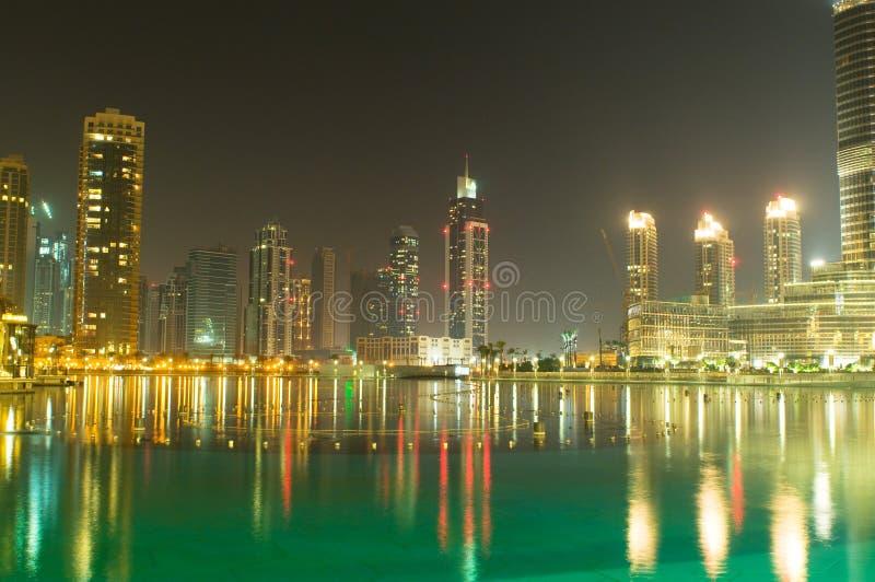 Panorama abajo de la ciudad Dubai fotos de archivo libres de regalías