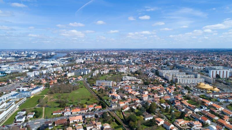 Panorama aereo della città di Reze nella Loira Atlantique immagini stock libere da diritti