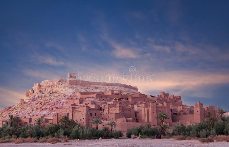 Panorama Ait Benhaddou Casbah przy zmierzchem blisko Ouarzazate miasta obraz royalty free
