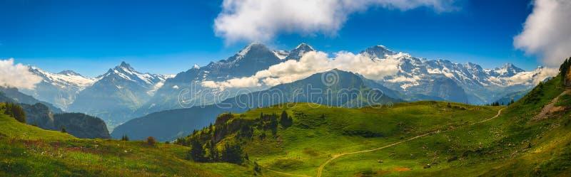 Panorama alpin : Visage du nord d'Eiger, Alpes suisses photos libres de droits