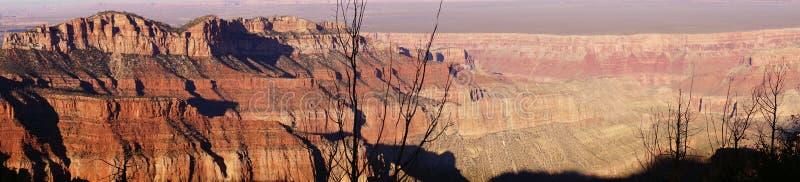 Panorama, anche luce sulle creste taglienti fotografia stock libera da diritti