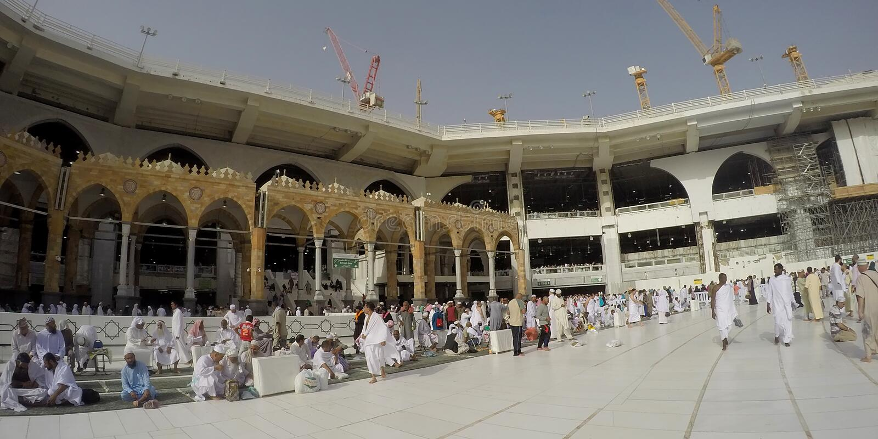 Panorama-Ansicht innerhalb Haram-Moschee stockfoto