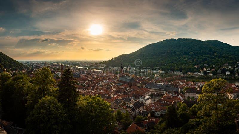 Panorama-Ansicht von Heidelberg-Schloss zur alten Stadt von Heidelberg, Baden-Württemberg, Deutschland stockbilder
