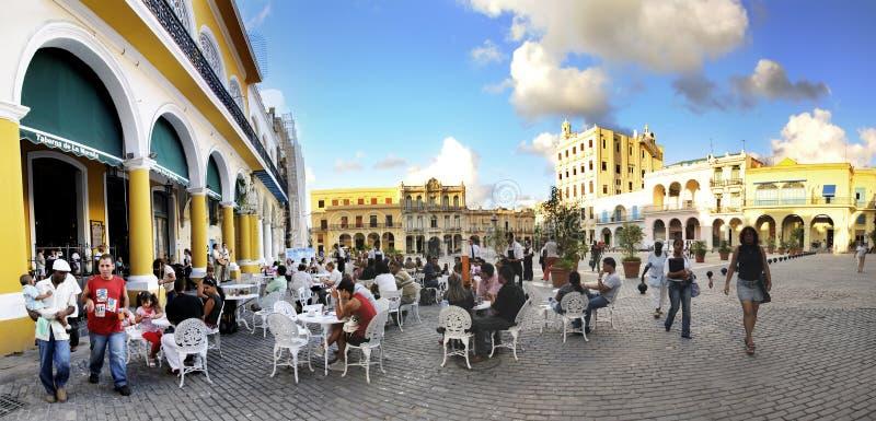 Panorama ao ar livre do café de Havana, novembro 2008 foto de stock