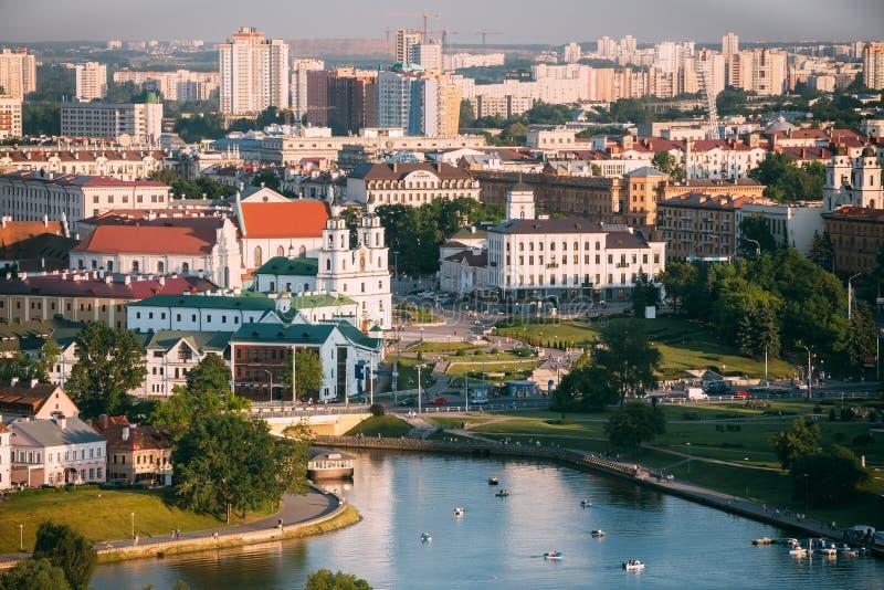 Panorama, arquitetura da cidade de Minsk, Bielorrússia verão fotografia de stock royalty free