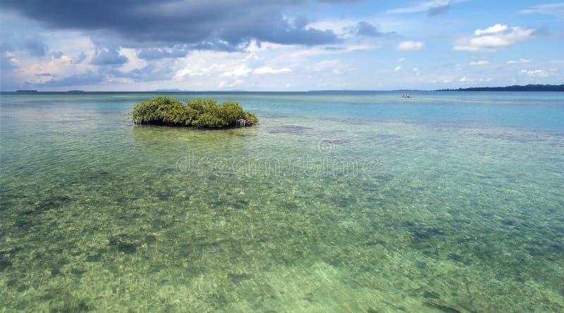 Panorama au-dessus d'une lagune images libres de droits