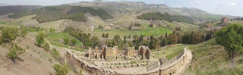 Panorama auf dem römischen Theater stockbilder