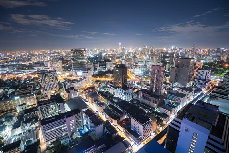 Panorama av Bangkok på natten arkivfoto