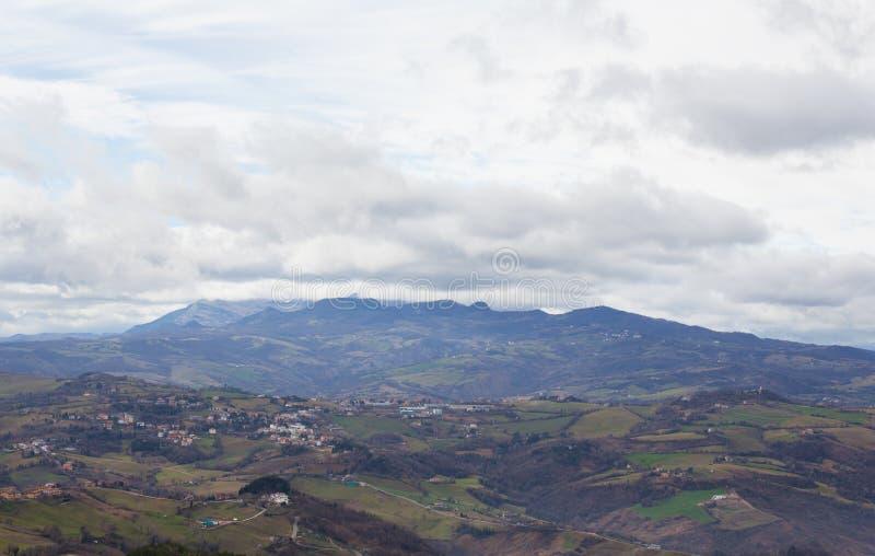 Panorama av bergen fotografering för bildbyråer