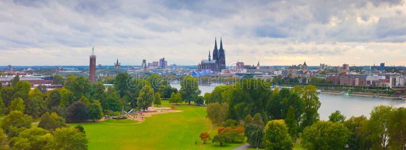 Panorama av Cologne royaltyfria bilder