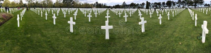 Panorama av den amerikanska kyrkogården på Normandie royaltyfri fotografi