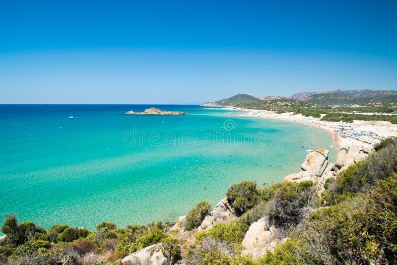 Panorama av den Chia kusten, Sardinia, Italien arkivfoton
