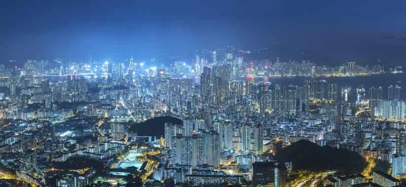 Panorama av den flyg- sikten av den Hong Kong staden royaltyfri fotografi