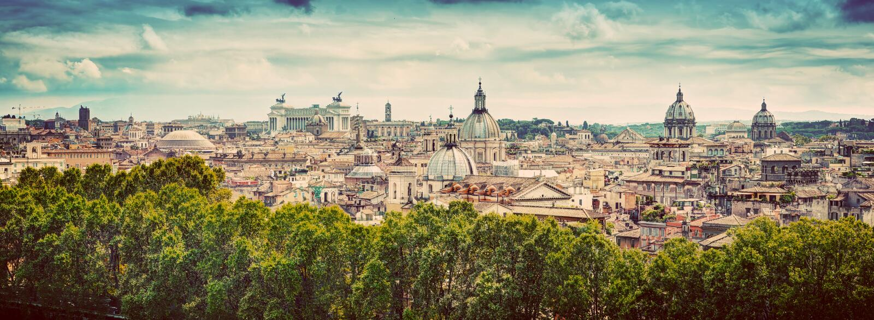Panorama av den forntida staden av Rome, Italien Tappning royaltyfri foto