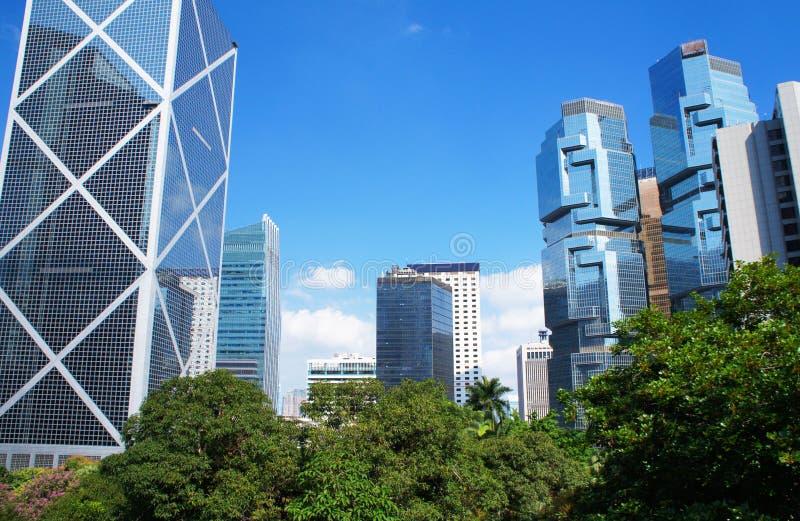 Panorama av den futuristiska staden Hong Kong royaltyfri bild