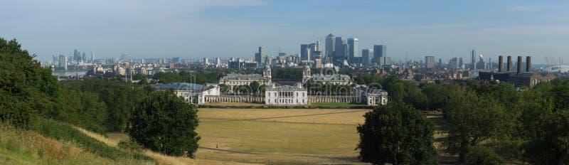 Panorama av den gamla kungliga sjö- högskolan - Greenwich, UK royaltyfria bilder