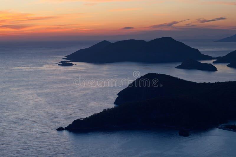 Panorama av den härliga blåa lagun i Olu Deniz, Turkiet fotografering för bildbyråer