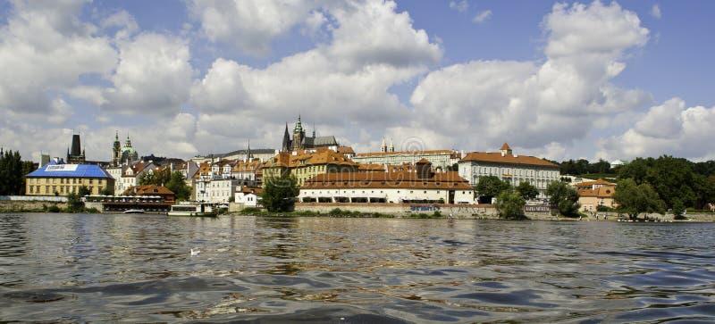 Download Panorama Av Den Prague Slotten Från över Den Vltava Floden Fotografering för Bildbyråer - Bild av tjeck, saint: 37346337