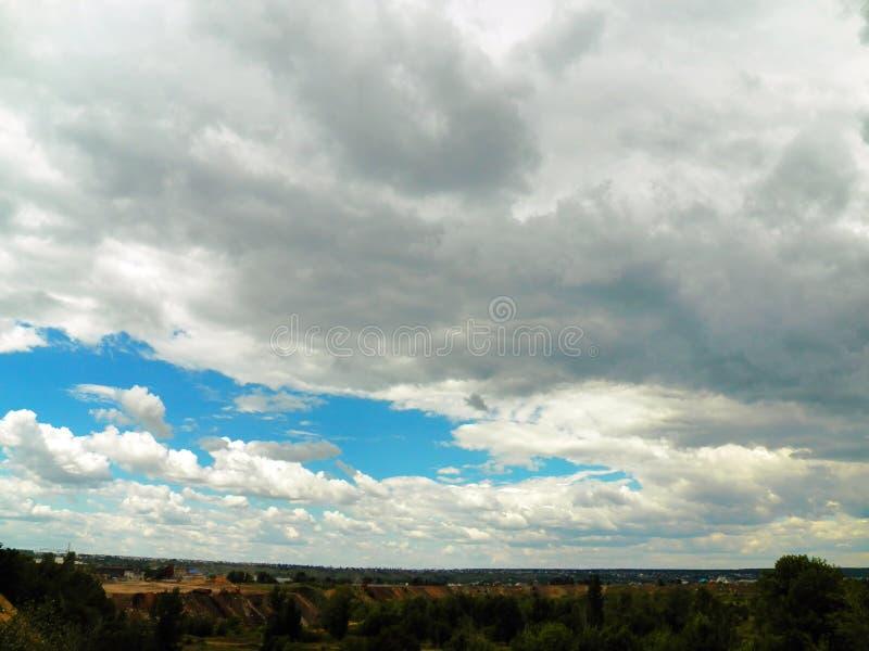 Panorama av den stora sandgropen under en pittoresk himmel arkivfoton