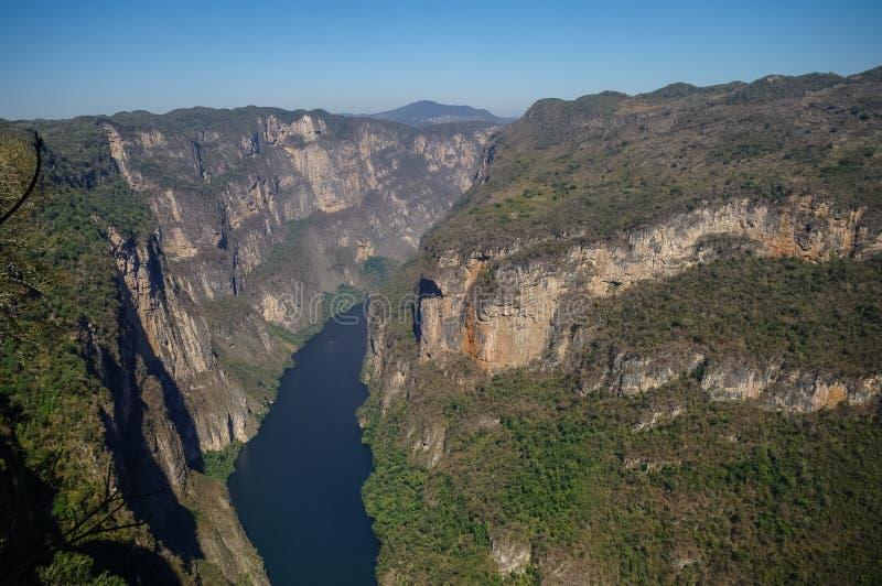 Panorama av den Sumidero kanjonen från synvinkel Nära Tuxtla Gutierre arkivbilder