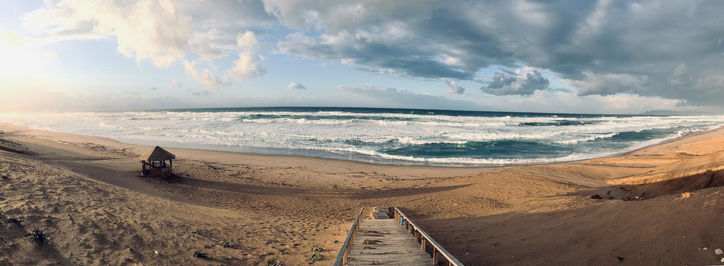 Panorama av det jungfruliga medelhavs- kustlandskapet i Skikda, Algeriet arkivfoton