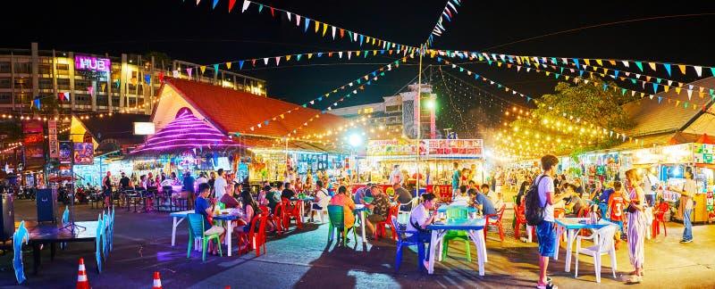 Panorama av domstolen för Otop marknadsmat, Patong, Phuket, Thailand royaltyfri fotografi