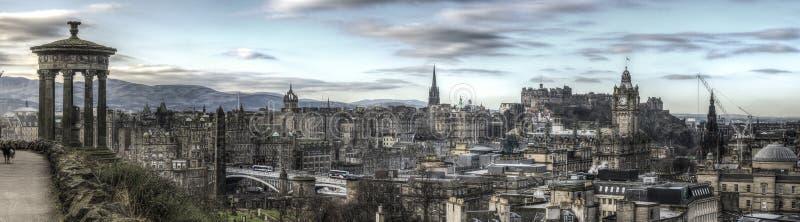 Panorama av Edinburghorisonten royaltyfria bilder