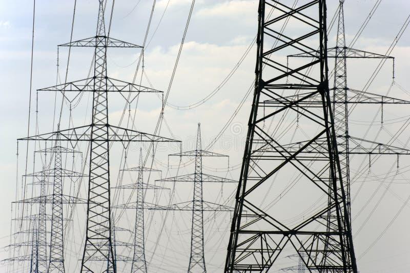 Download Panorama Av Elektriska Pyloner Arkivfoto - Bild av miljö, tillförsel: 37348302