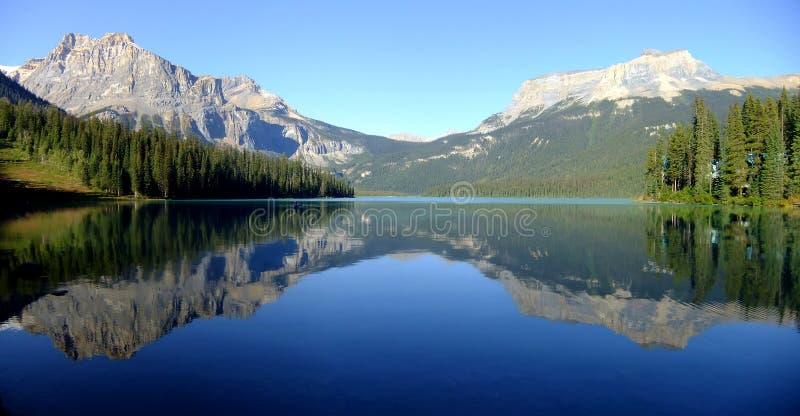 Panorama av Emerald Lake, Yoho National Park, British Columbia, royaltyfria foton
