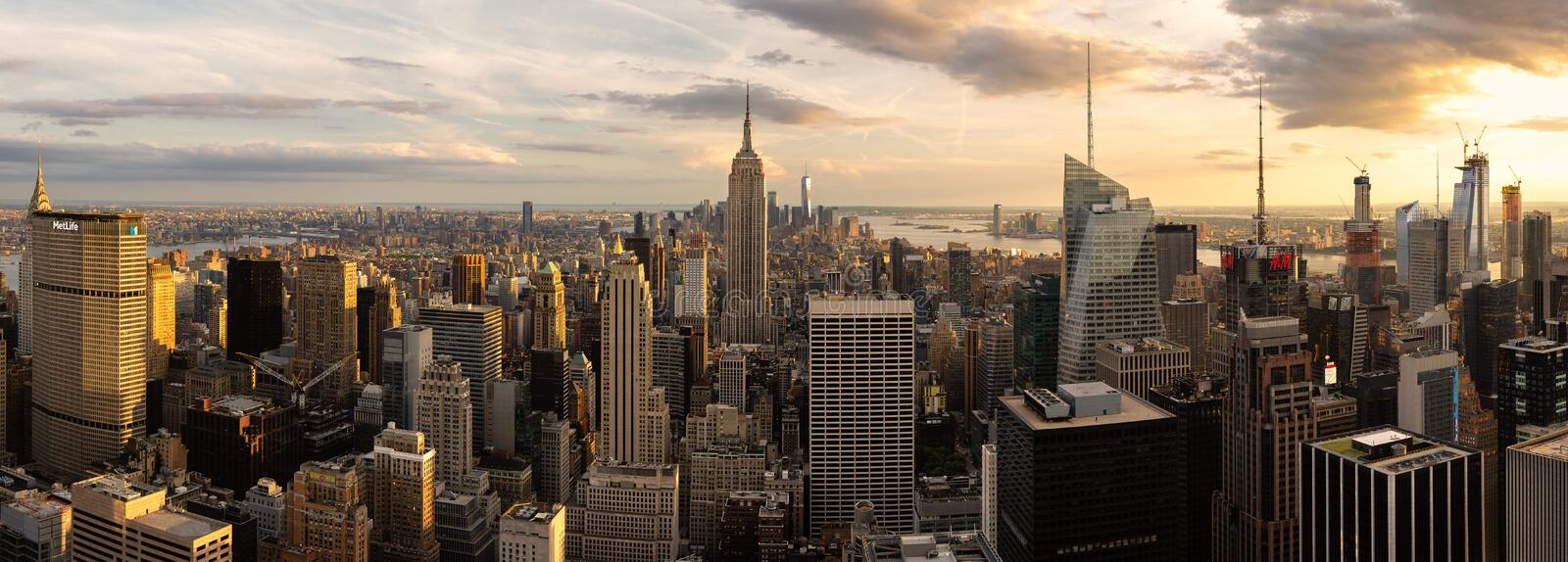 Panorama av Empire State Building och New York City horisont arkivfoto